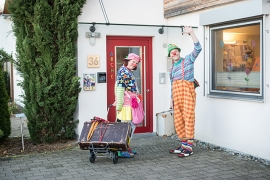 2 Clowns vor ARCHE IntensivKinder in Tübingen